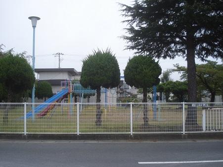 八幡町児童公園001.jpg