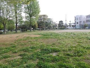 七軒町児童公園002.jpg