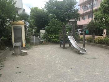 亀二児童遊園002.jpg