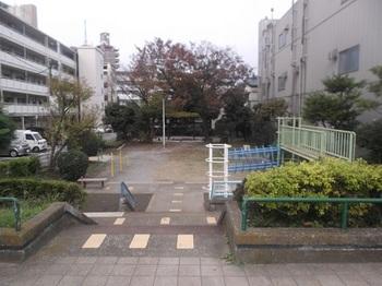 六軒児童遊園001.jpg