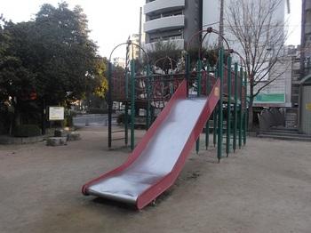 大手町第一公園003.jpg