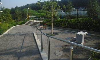 川のせせらぎ公園001.jpg