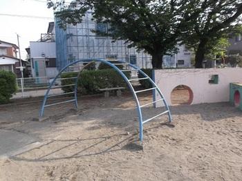 朝日町児童公園005.jpg