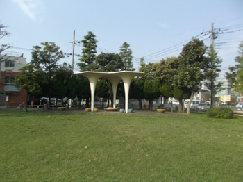 駅前平和公園005.jpg